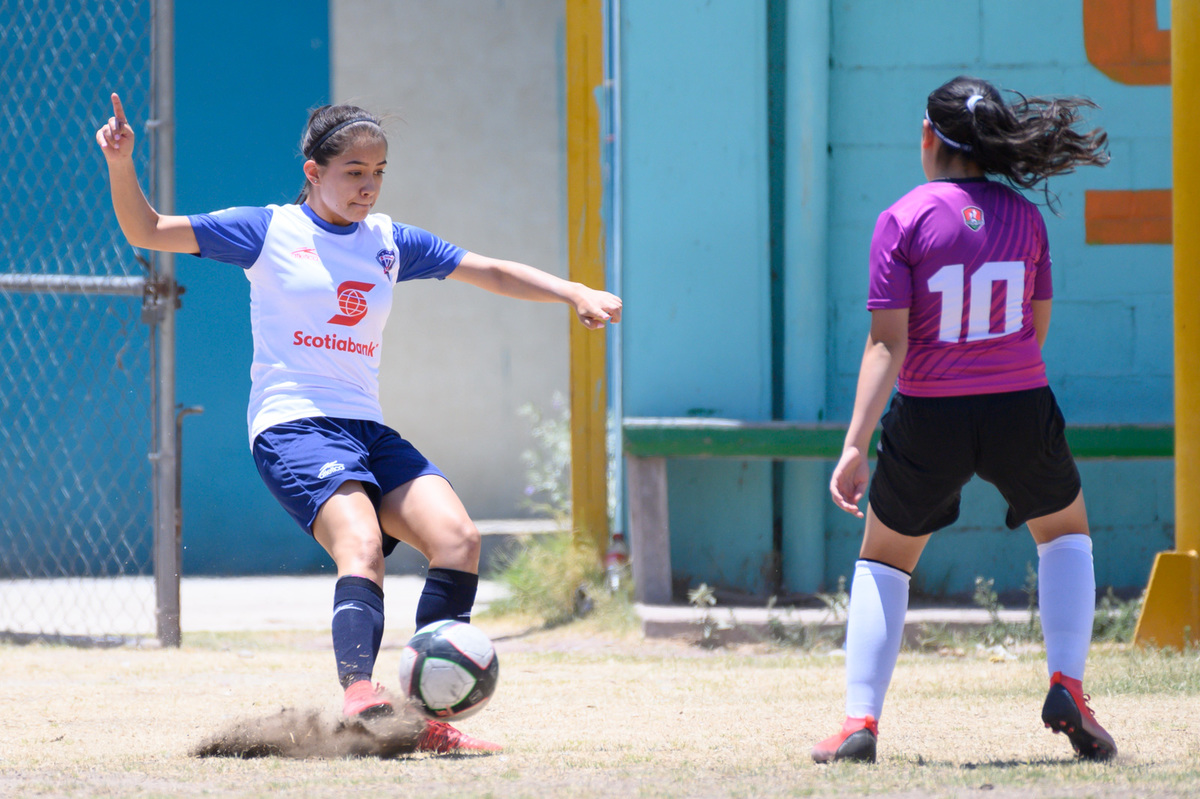 Fotos de Aztecas FC femenil vs Esffem Zacatecas