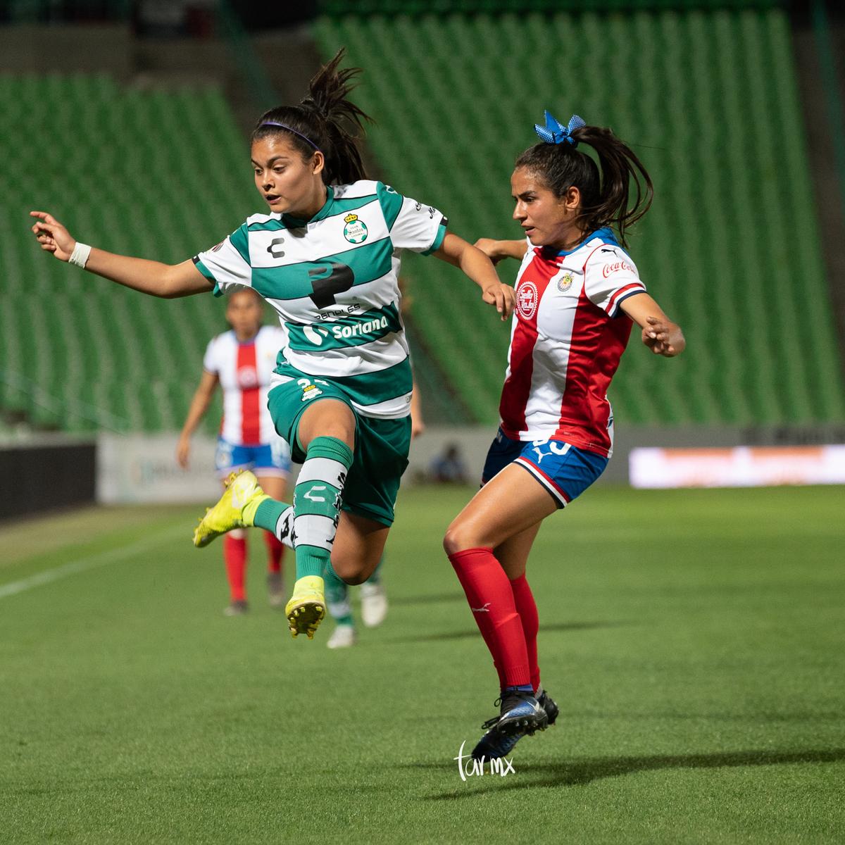 Fotos del Santos vs Chivas femenil