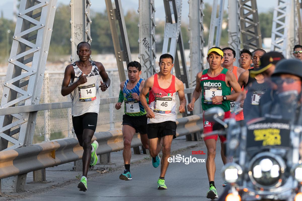 Fotos del Maratón Lala 2020, puente plateado