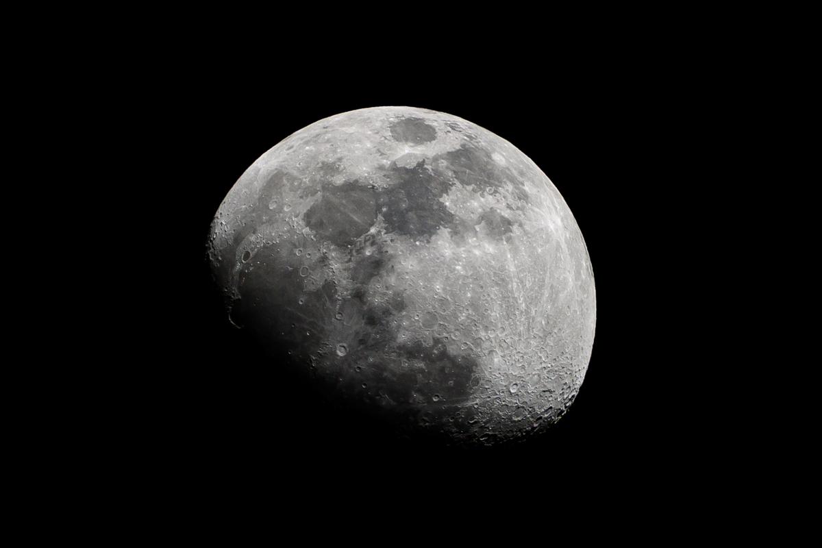 Sacar fotos de la Luna de día con cámara reflex