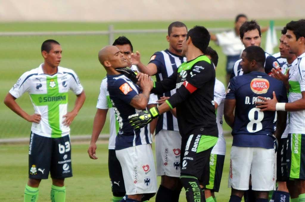 Oswaldo Sánchez y Humberto Suazo protagonizaron grandes duelos defendiendo los colores verdiblancos y albiazules.