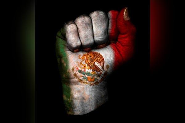 Cinematografo 04:Fuerza México, imagen Poblana