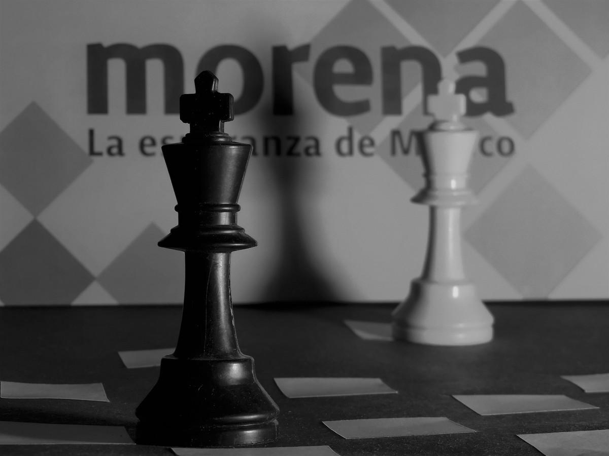 Contrincante-. Rival, competidor, adversario, antagonista, oponente, enemigo.