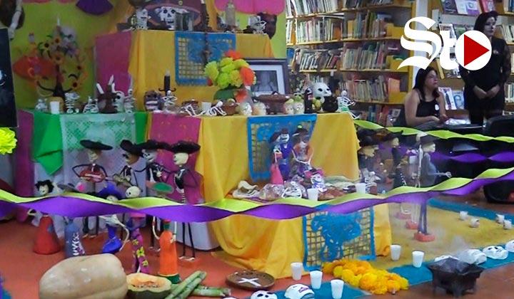 Instalan altar de muertos en Centro Cultural Jose R Mijares