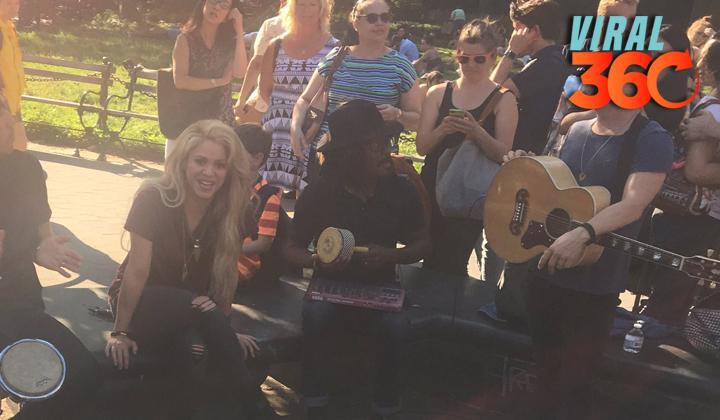 Shakira se encuentra con sus fans en un parque