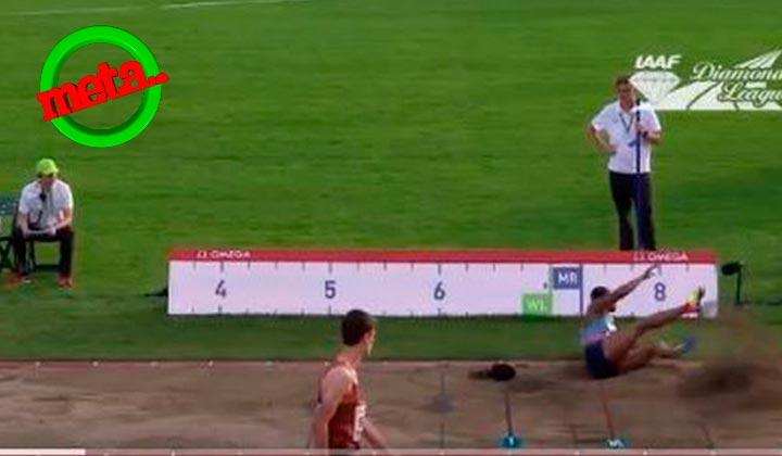 Atleta pierde 30 cm en su salto de longitud al perder la peluca