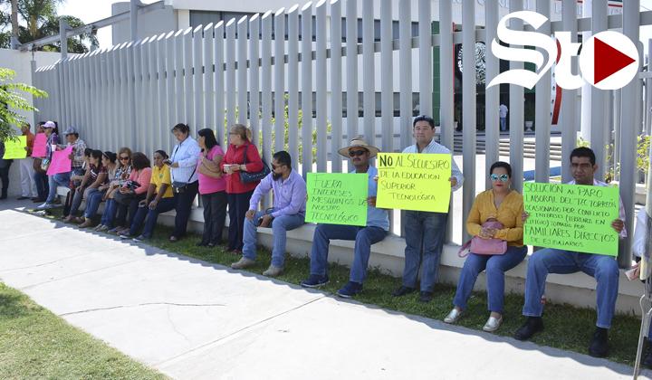 Docentes del ITT acuden a la PGR por toma de instalaciones