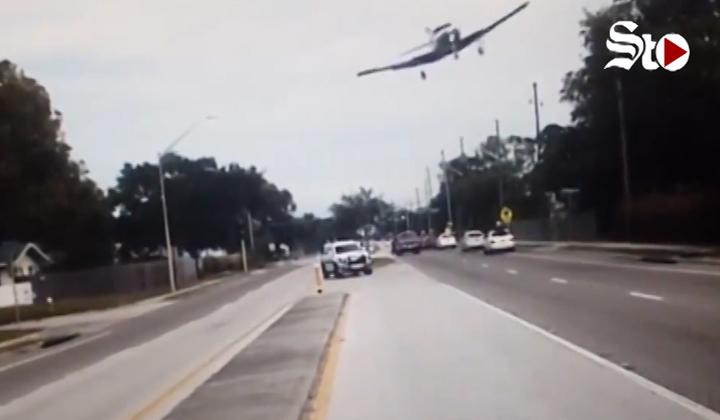 Avioneta se estrella en plena carretera