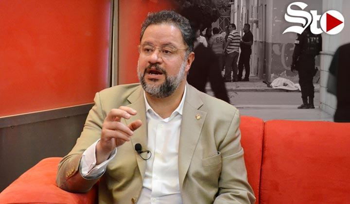 'Parece haber un plan de destrucción de las instituciones'