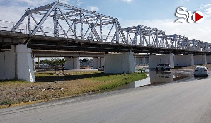 Alcaldes de Torreón y GP supervisan obras en Puente Plateado