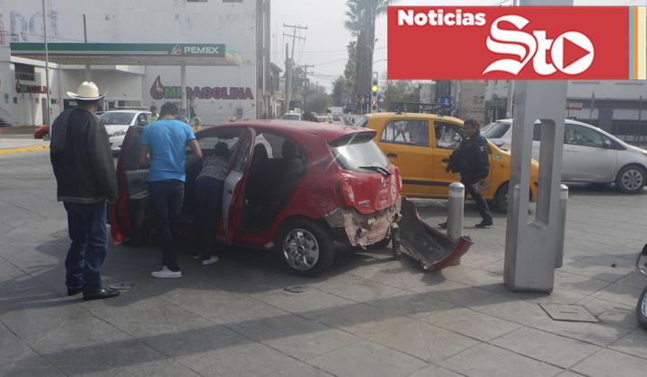 Accidente en Torreón; elemento de vialidad involucrado