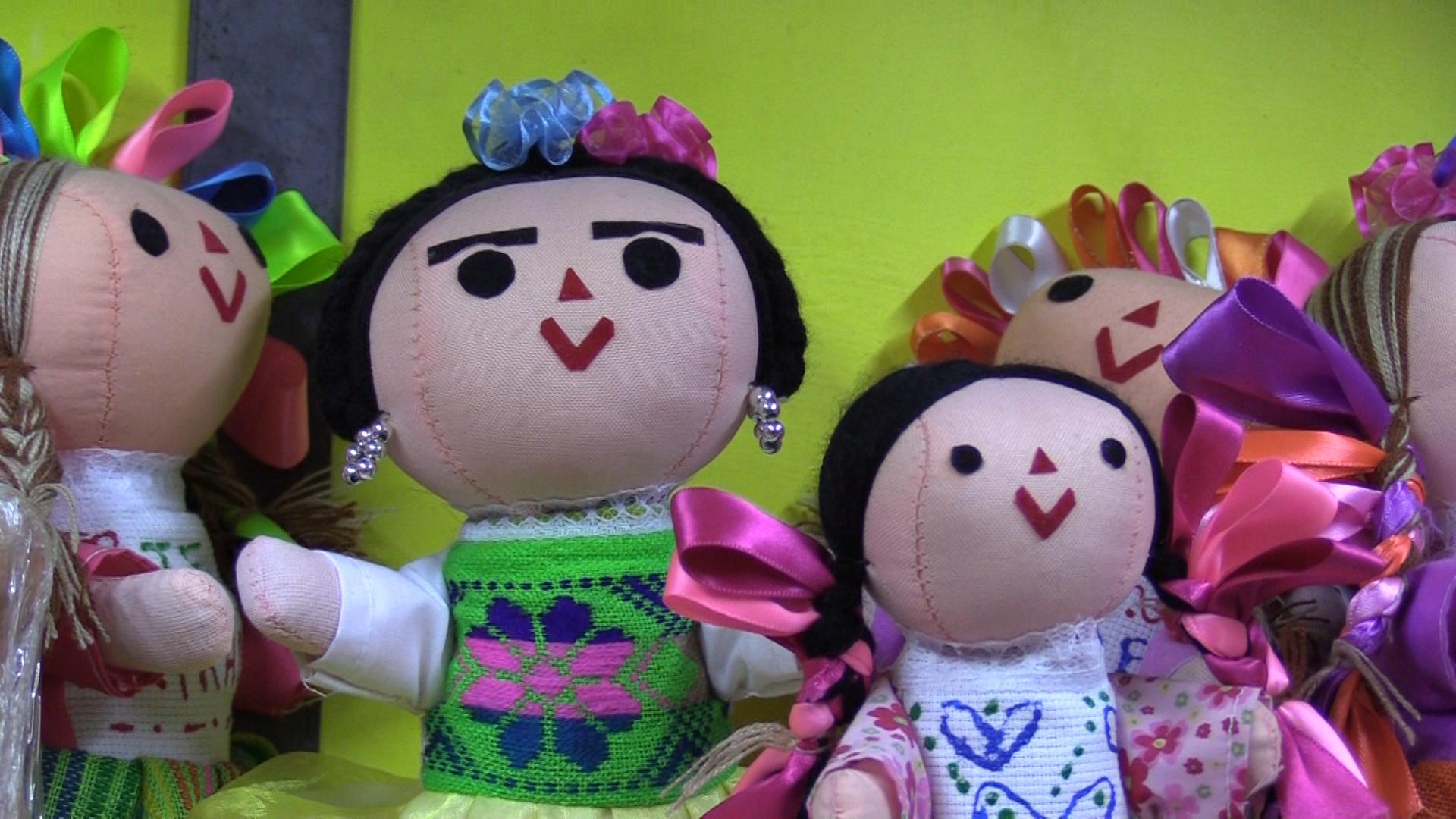 Las muñequitas de trapo del Mercado Juárez