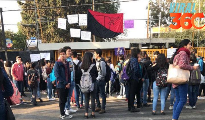 Huelga en la Prepa 5 en protesta por supuesto acoso de maestro