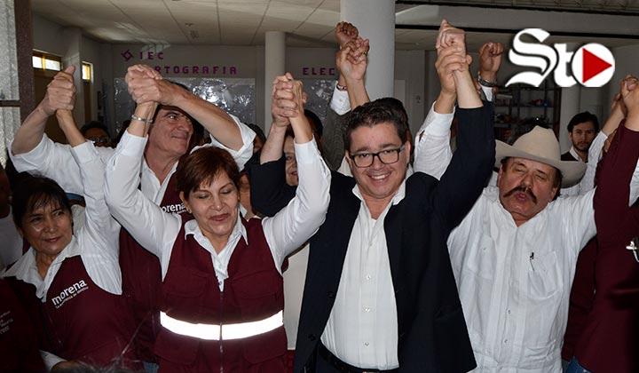 Corona se registra como candidato a la alcaldía de Torreón