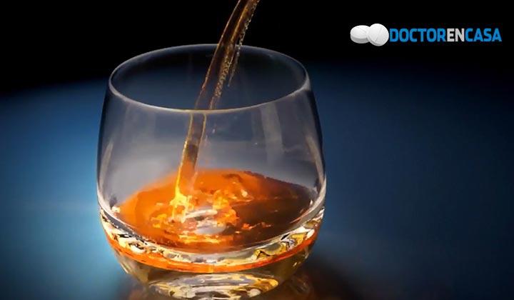 Beber más de 5 vasos de alcohol por semana acortaría la vida