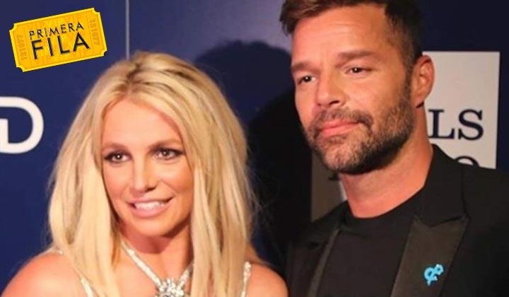 Ricky Martin entrega premio a Britney por su trayectoria