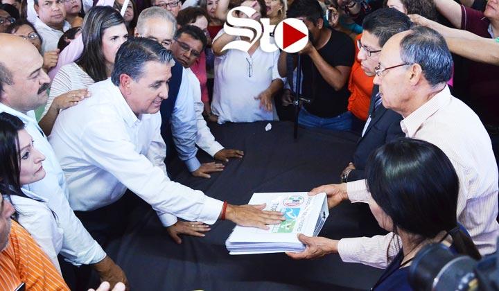 Gutiérrez Jardón registra candidatura a la alcaldía de Torreón