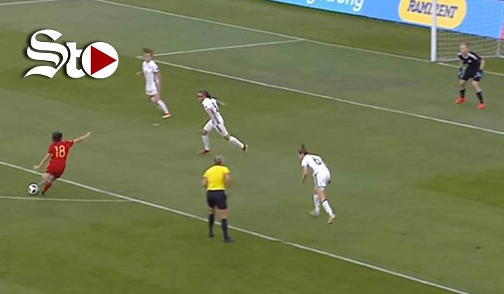Extraordinario gol de jugadora se hace viral