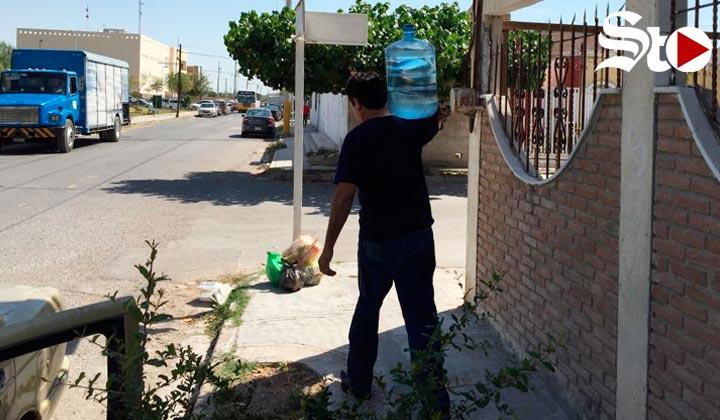 Los asaltan cuando van por agua al sur oriente de Torreón