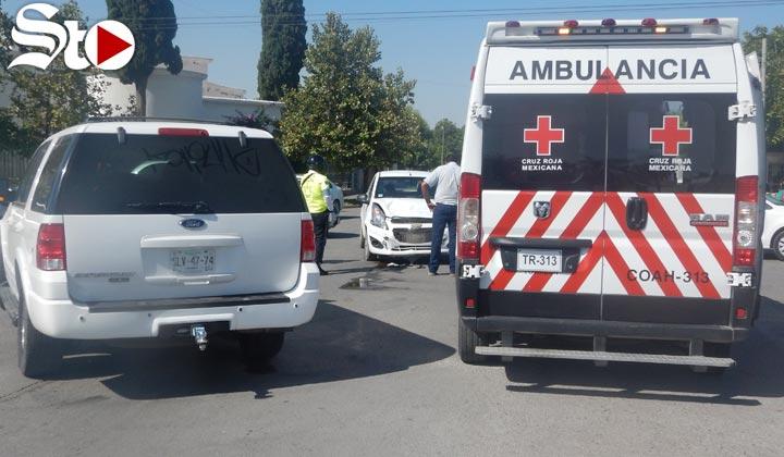 Conductora foránea provoca choque en Torreón