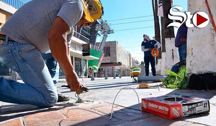 Reparan bolardos en el Paseo Morelos