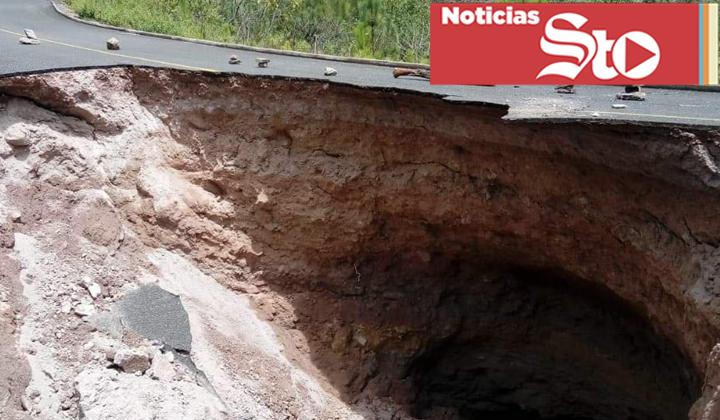 Socavón incomunica comunidades de Durango