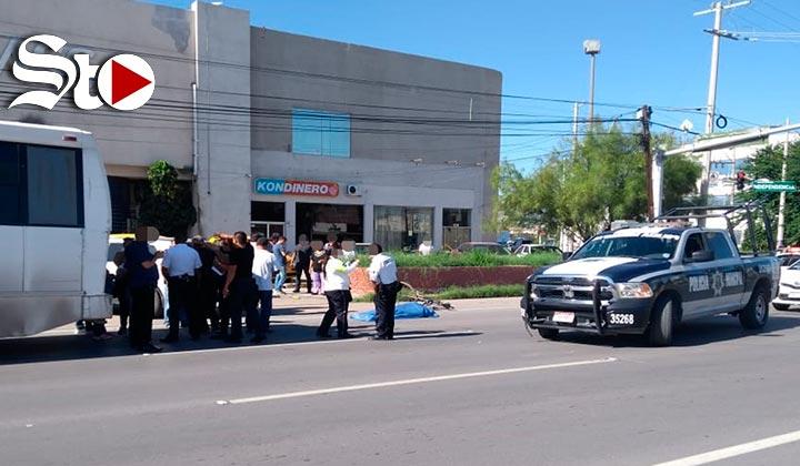 Camión de ruta arrolla a ciclista en Torreón