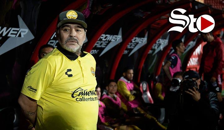 Maradona necesita prótesis en las rodillas