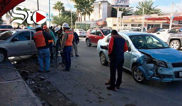 Dañan toma de gas natural en accidente vial