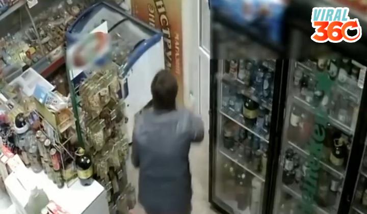 Mujer detiene asalto con trapeador