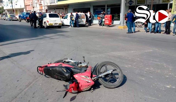 Dos lesionados tras choque de moto en Torreón