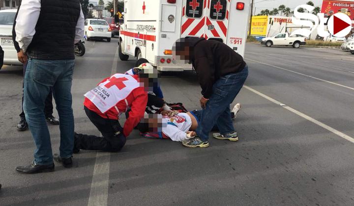 Sale proyectado de una camioneta y se golpea la cabeza