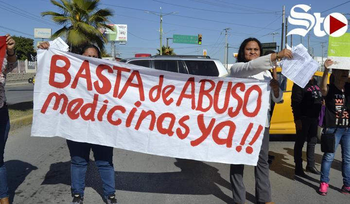 Docentes bloquean Rodríguez Triana para exigir medicamentos