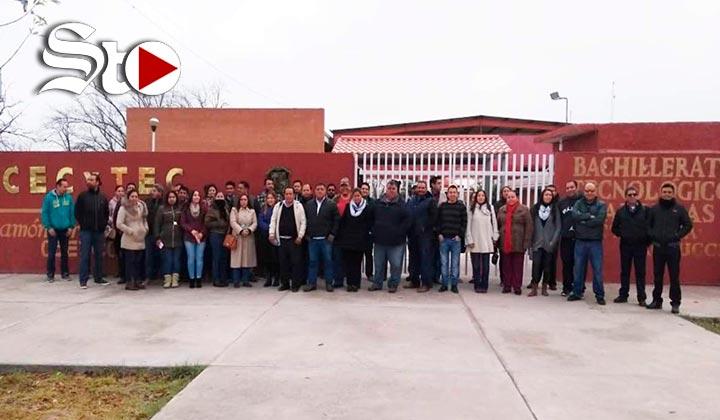 Protestan docentes de Cecytec Coahuila por falta de pago