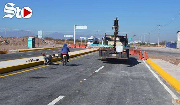 Ciclistas y motociclistas 'inauguran' puente El Tajito