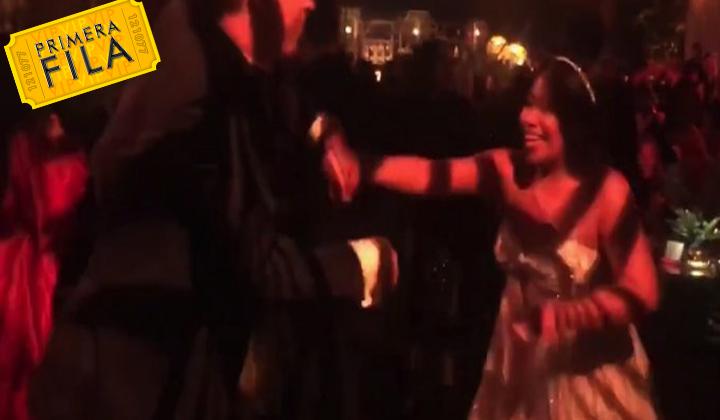 Yalitza Aparicio muestras sus pasos de baile