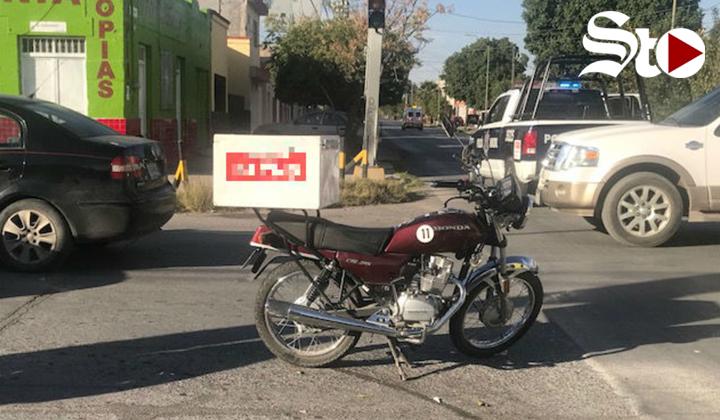 Sufre motociclista lesiones en cabeza en un choque