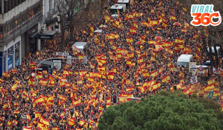 Miles de personas salen en Madrid por la unidad de España