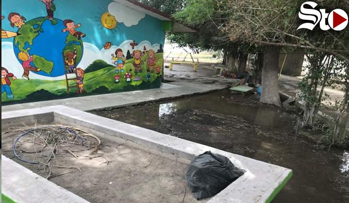 Por fractura canal de riego; se inundan calles y jardín de niños