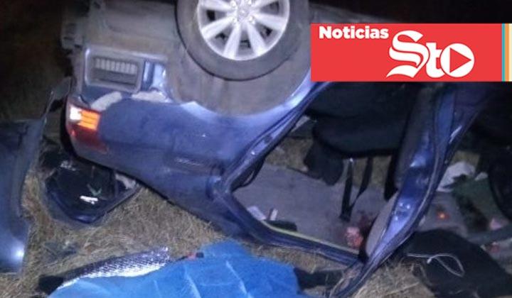 Asistentes al juego de Santos, pierden la vida en volcadura