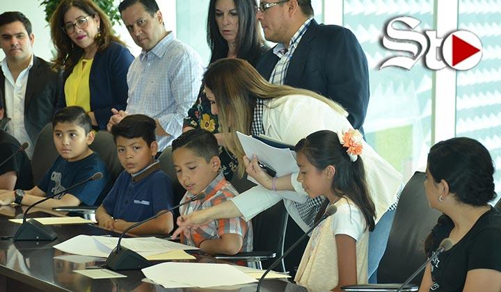 Ensaya Cabildo Infantil de Torreón previo al Día del Niño