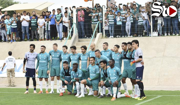 Santos comparte entrenamiento con sus aficionados