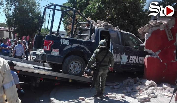 Patrulla choca y se mete a domicilio en Gómez Palacio