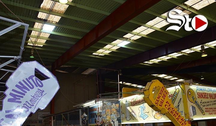 Piden apoyo para reparar techo del Mercado Juárez