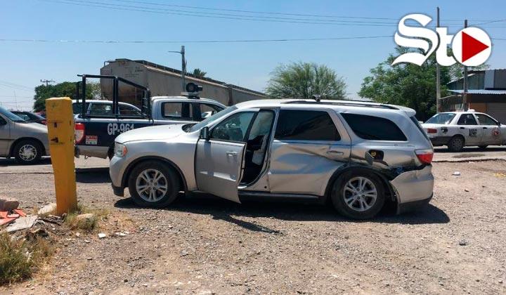 Tren impacta camioneta en Gómez Palacio