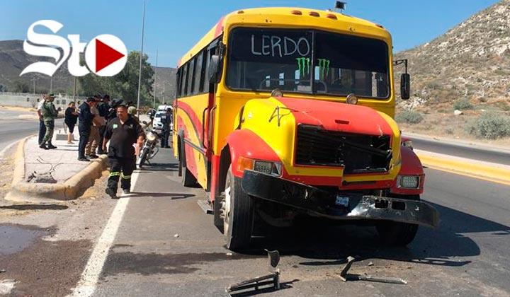 Choca autobús con pipa; hay seis heridos
