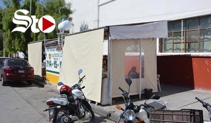 Retiro de tabarete en Torreón genera conflicto