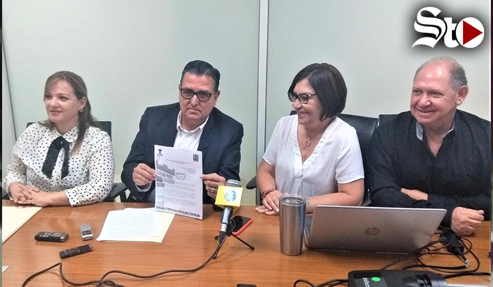 Presentan solicitud formal para destituir a Pedro Luis Bernal