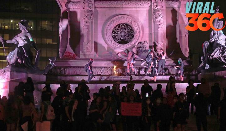 Marcha feminista vandaliza el Ángel de la Independencia