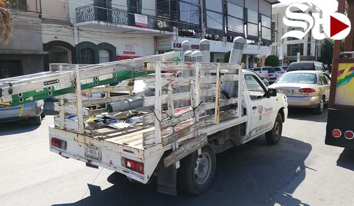 Inician reubicación de bolardos en Paseo Morelos de Torreón